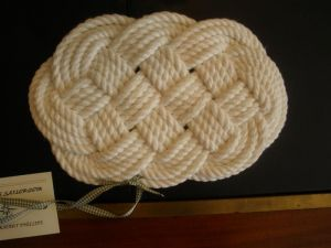 White cotton, turks head knot oval trivet (NR00009)
